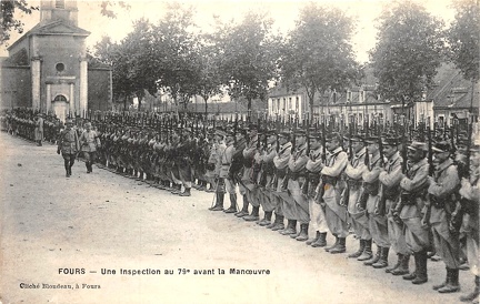Fours inspection militaire