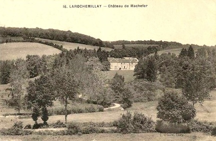 Larochemillay chateau de Machefer 2