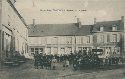 Saint Aubin les Forges Place
