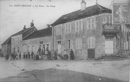 Saint Brisson Place et poste