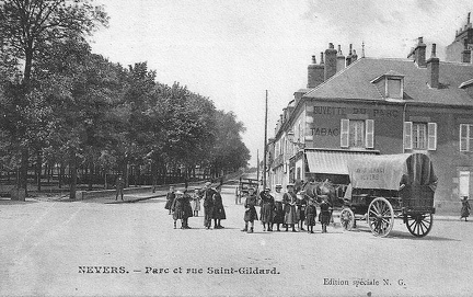 Nevers rue Saint Gildard et coin du Parc